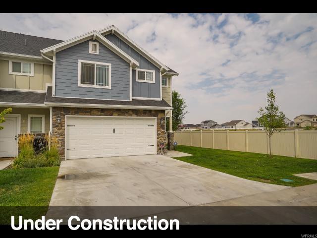 Maison accolée pour l Vente à 1052 W 2050 S Syracuse, Utah 84075 États-Unis