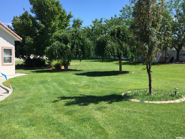Additional photo for property listing at 5967 S FARM RIDGE Road 5967 S FARM RIDGE Road Taylorsville, Юта 84129 Соединенные Штаты