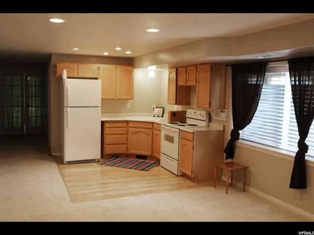 Additional photo for property listing at 3618 W 8070 S  West Jordan, Utah 84088 États-Unis