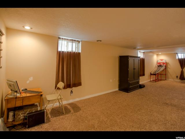 Additional photo for property listing at 191 E 4300 S  Washington Terrace, Utah 84405 United States