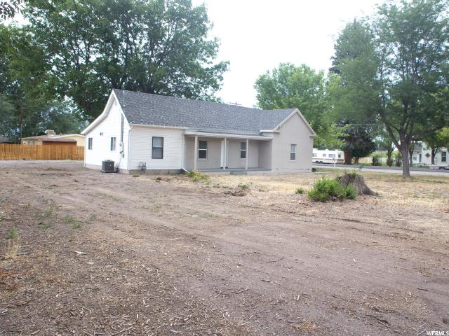 Additional photo for property listing at 195 N 100 W 195 N 100 W Monroe, Юта 84754 Соединенные Штаты