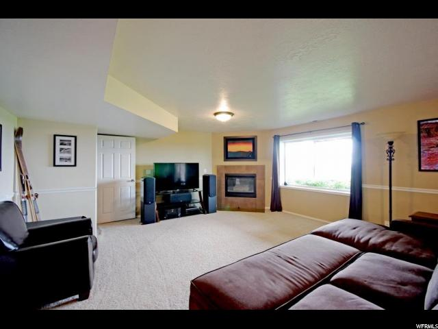 Additional photo for property listing at 9898 S FALCON VIEW Drive 9898 S FALCON VIEW Drive Sandy, Utah 84092 United States