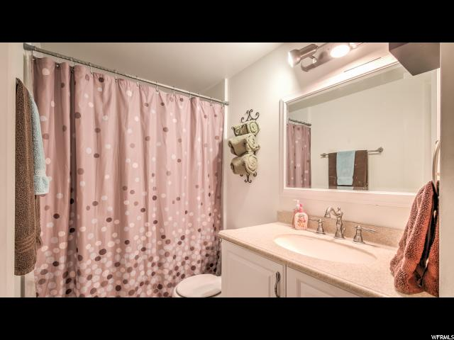 Additional photo for property listing at 377 W 1450 N 377 W 1450 N Bountiful, Юта 84010 Соединенные Штаты