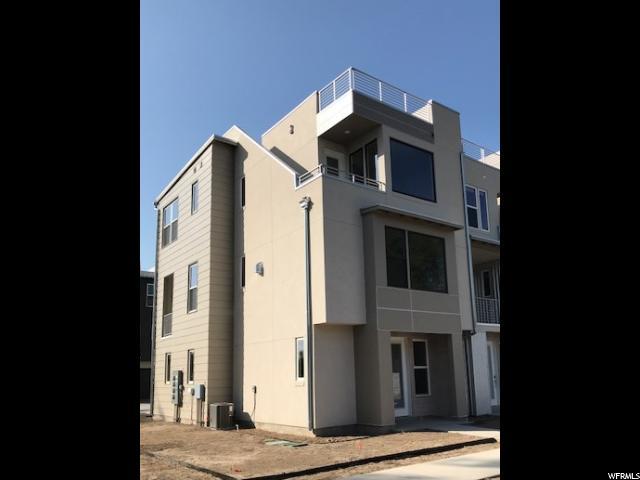 Maison accolée pour l Vente à 4197 S KIERA HILL Lane 4197 S KIERA HILL Lane Unit: 22 Millcreek, Utah 84107 États-Unis
