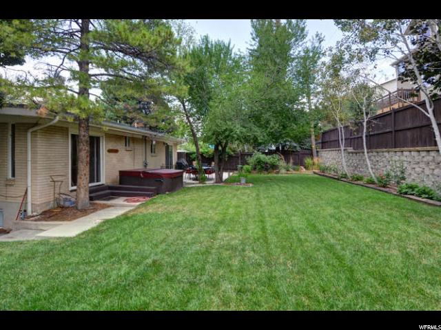 Additional photo for property listing at 6557 S 2600 E  Cottonwood Heights, Utah 84121 United States