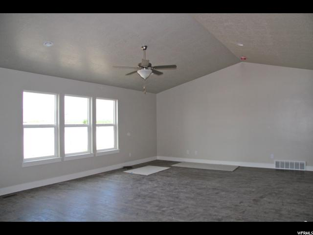 Additional photo for property listing at 15 W CHRISTLEY Lane 15 W CHRISTLEY Lane Unit: 73 Elk Ridge, Юта 84651 Соединенные Штаты
