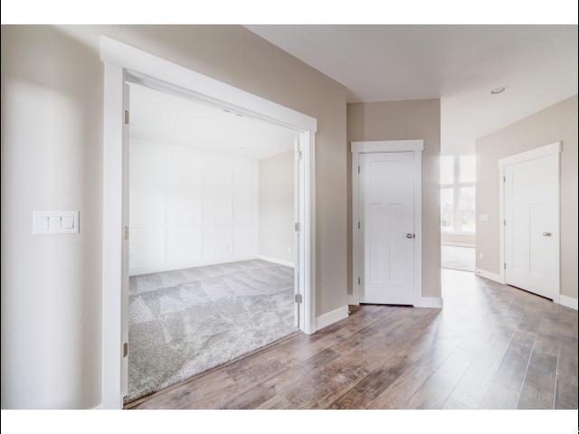 Additional photo for property listing at 2713 W 11460 S 2713 W 11460 S South Jordan, Utah 84095 Estados Unidos
