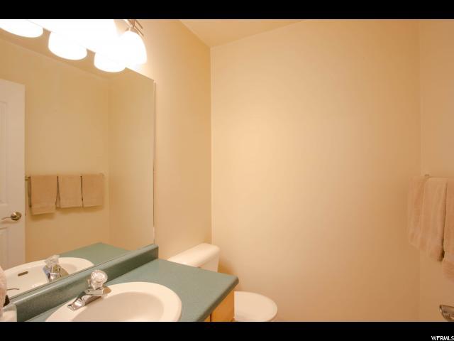 30 S OAKWOOD DR North Salt Lake, UT 84054 - MLS #: 1472150