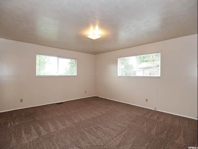 Additional photo for property listing at 5471 S 3450 W  Roy, Utah 84067 Estados Unidos
