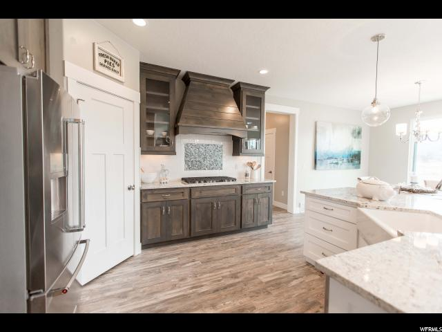 Additional photo for property listing at 580 W OLYMPIC Lane 580 W OLYMPIC Lane Unit: 16 Elk Ridge, Utah 84651 États-Unis