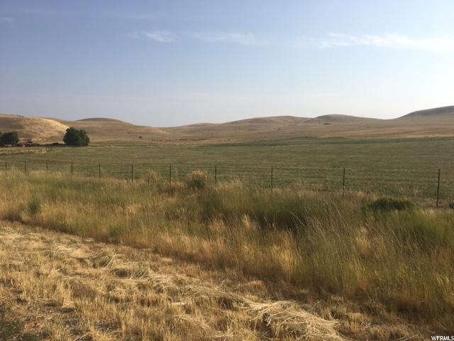 Additional photo for property listing at 15370 N 400 W 15370 N 400 W Collinston, Utah 84306 États-Unis