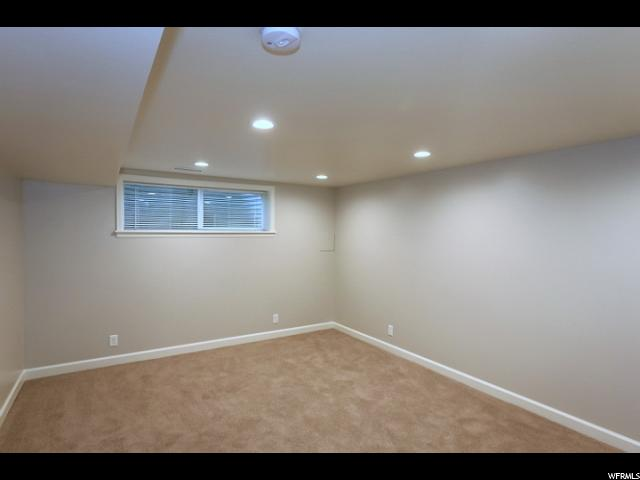 Additional photo for property listing at 4820 S THREE FOUNTAINS Drive 4820 S THREE FOUNTAINS Drive Unit: 176 Murray, Utah 84107 Estados Unidos