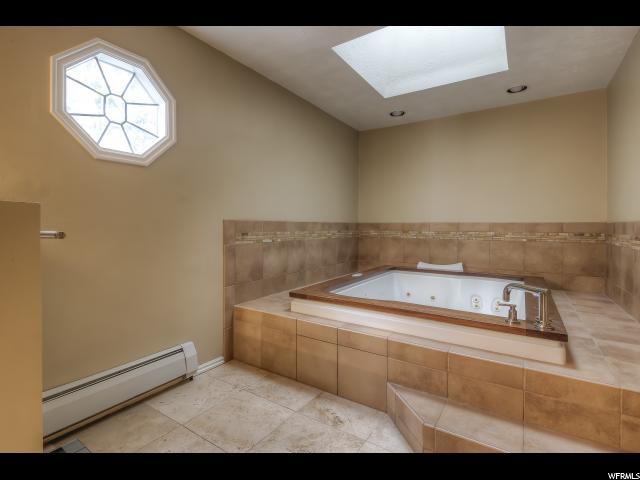 Additional photo for property listing at 3388 E STONEHILL Lane 3388 E STONEHILL Lane Cottonwood Heights, Юта 84121 Соединенные Штаты