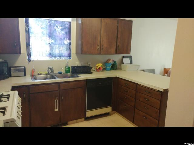 Additional photo for property listing at 905 W 370 S  Logan, 犹他州 84321 美国