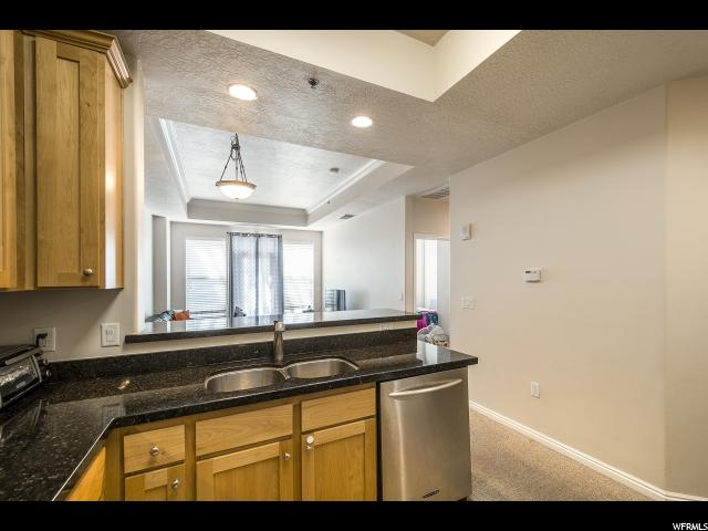 Additional photo for property listing at 5 S 500 W 5 S 500 W Unit: 1204 Salt Lake City, Utah 84101 United States