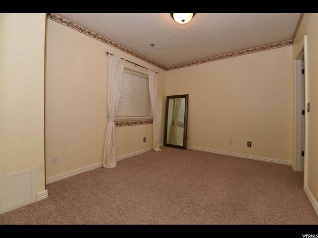 Additional photo for property listing at 274 N EDGEMONT Drive  North Salt Lake, Utah 84054 États-Unis