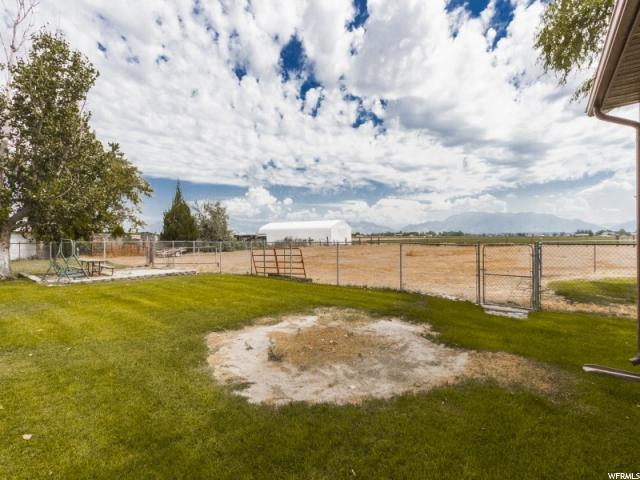 Additional photo for property listing at 5244 S 7100 W  Hooper, Utah 84315 États-Unis