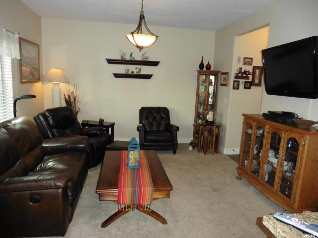 Additional photo for property listing at 1932 W 2295 S  Woods Cross, 犹他州 84087 美国