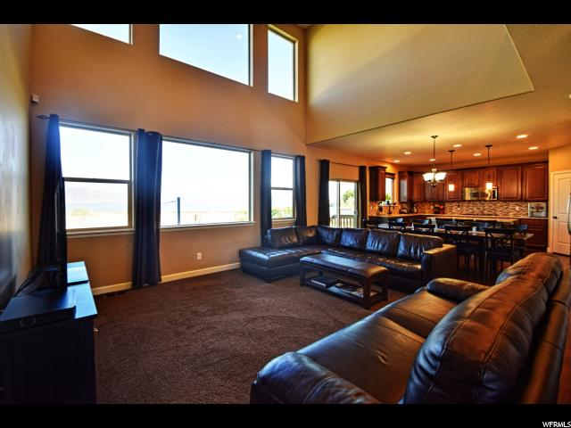Additional photo for property listing at 72 S SUNSET Drive  Vineyard, Utah 84058 United States