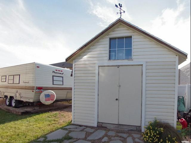 Additional photo for property listing at 3376 W 4025 S 3376 W 4025 S West Haven, Utah 84401 États-Unis