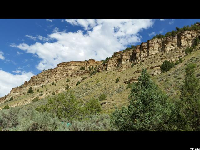 Additional photo for property listing at 1553 W 2000 S 1553 W 2000 S Duchesne, Utah 84021 États-Unis