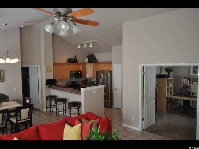 1618 W WYNVIEW LN South Jordan, UT 84095 - MLS #: 1472589