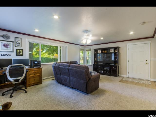 Additional photo for property listing at 540 N 200 W  Clearfield, Utah 84015 United States