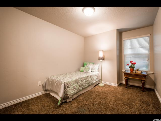 Additional photo for property listing at 10447 S SAGE WOOD WAY  South Jordan, Utah 84009 Estados Unidos