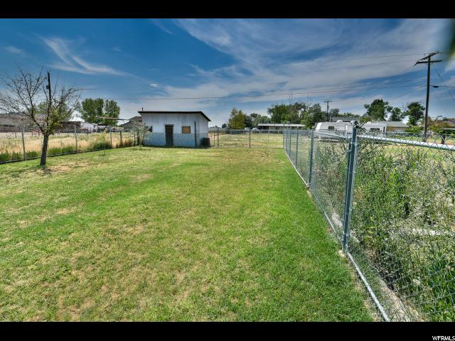 Additional photo for property listing at 5897 S 5000 W 5897 S 5000 W Hooper, Utah 84315 Estados Unidos