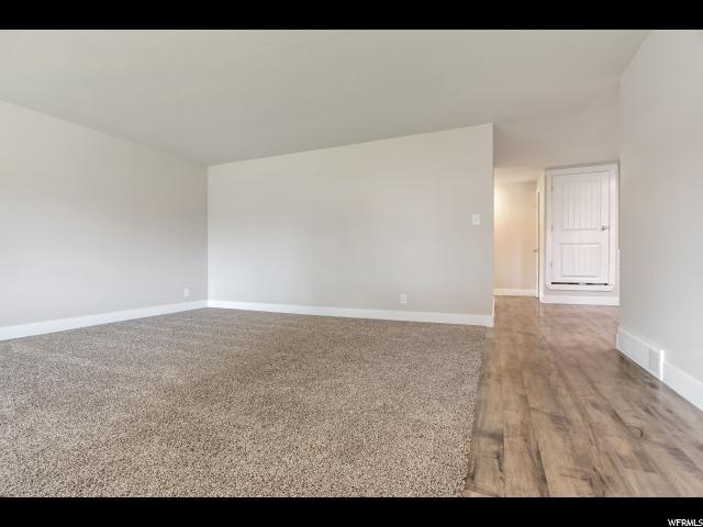 Additional photo for property listing at 3892 S LEE MAUR Street 3892 S LEE MAUR Street Salt Lake City, Utah 84119 États-Unis
