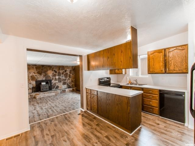 Additional photo for property listing at 6258 W 3570 S  West Valley City, Utah 84128 États-Unis