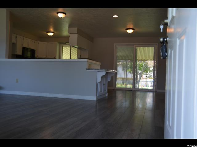 Additional photo for property listing at 640 N 800 W  Clearfield, Utah 84015 United States