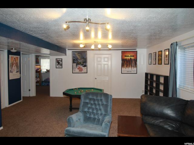 Additional photo for property listing at 233 W 1850 N  Layton, 犹他州 84041 美国