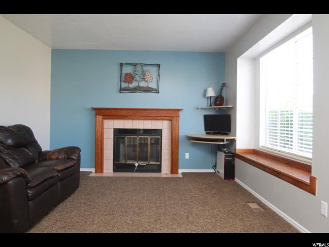 Additional photo for property listing at 233 W 1850 N  Layton, Utah 84041 États-Unis