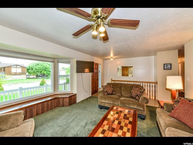 Additional photo for property listing at 3225 W 7545 S  West Jordan, Utah 84084 États-Unis
