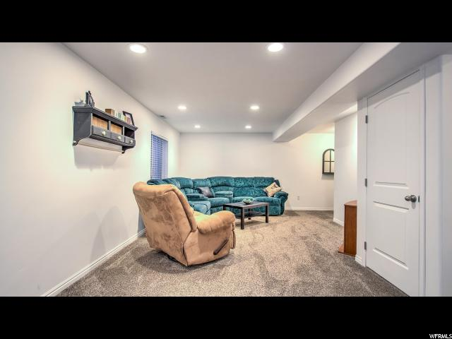 Additional photo for property listing at 6927 W SPRING OAK Drive  西约旦, 犹他州 84081 美国