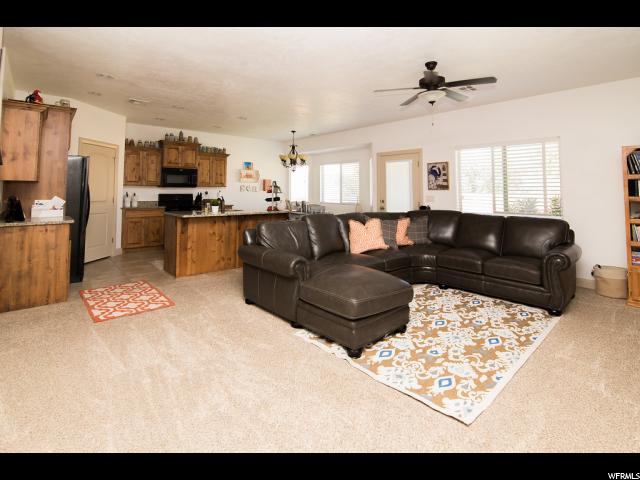 Additional photo for property listing at 3460 W 250 N 3460 W 250 N Hurricane, Utah 84737 United States