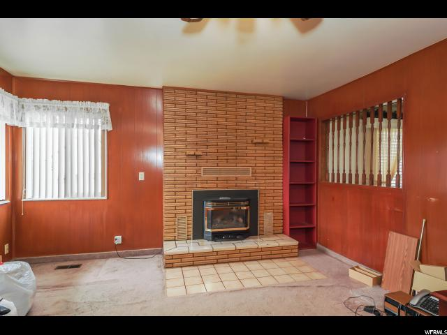 Additional photo for property listing at 1924 N 5000 W 1924 N 5000 W Hooper, Utah 84315 États-Unis