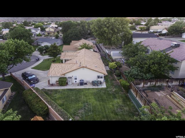 Additional photo for property listing at 102 N 2350 E Circle  St. George, Utah 84790 États-Unis