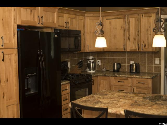 Additional photo for property listing at 927 S 50 E  Layton, Utah 84041 États-Unis