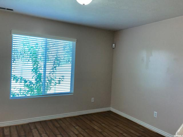 Additional photo for property listing at 4938 S RIVERSIDE Drive 4938 S RIVERSIDE Drive Murray, Utah 84123 Estados Unidos