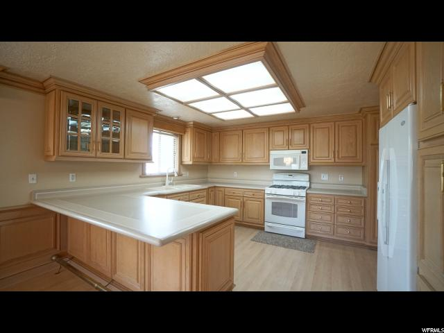 Additional photo for property listing at 3556 W 4850 S 3556 W 4850 S Taylorsville, 犹他州 84118 美国