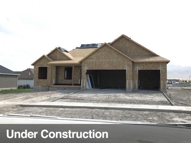 单亲家庭 为 销售 在 663 W RITTER 663 W RITTER Unit: 521 Saratoga Springs, 犹他州 84045 美国