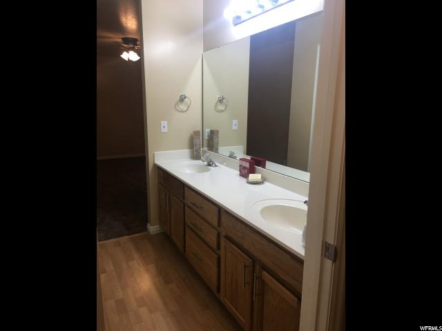 Additional photo for property listing at 2421 N 400 E 2421 N 400 E Unit: D1 North Ogden, Юта 84414 Соединенные Штаты