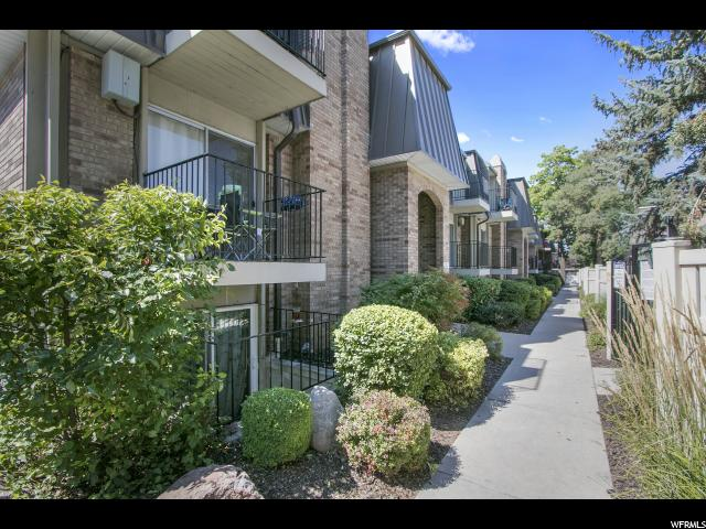 شقة بعمارة للـ Sale في 4870 S HIGHLAND Circle 4870 S HIGHLAND Circle Unit: 4 Holladay, Utah 84117 United States