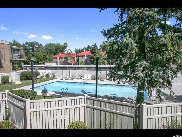 Additional photo for property listing at 4870 S HIGHLAND Circle 4870 S HIGHLAND Circle Unit: 4 Holladay, Utah 84117 United States
