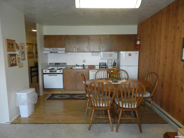 Additional photo for property listing at 2176 S BEAR LAKE Boulevard 2176 S BEAR LAKE Boulevard Unit: 3A 3B Garden City, Юта 84028 Соединенные Штаты