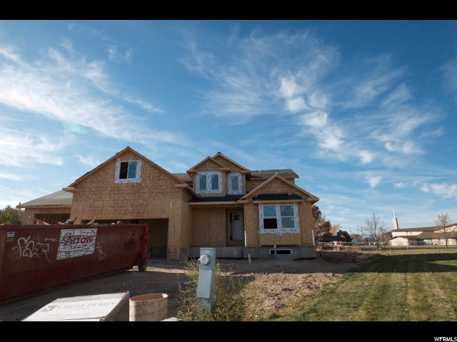 Additional photo for property listing at 1861 N 1350 W 1861 N 1350 W Clinton, 犹他州 84015 美国