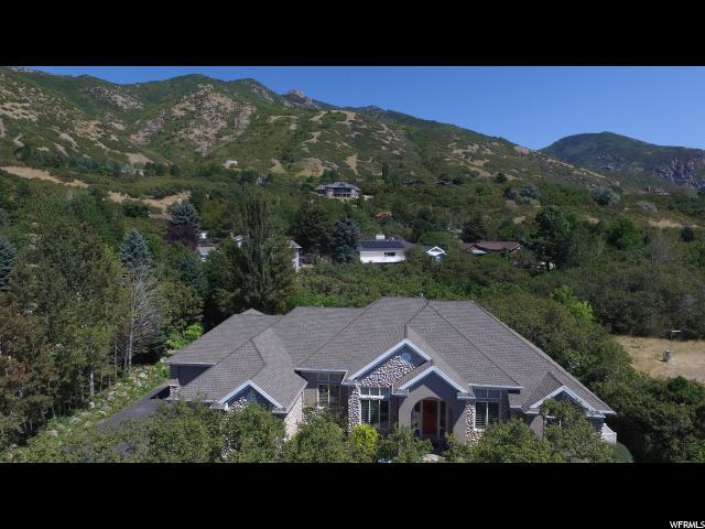 Unifamiliar por un Venta en 5592 SHADOW MOUNTAIN Lane 5592 SHADOW MOUNTAIN Lane Ogden, Utah 84403 Estados Unidos