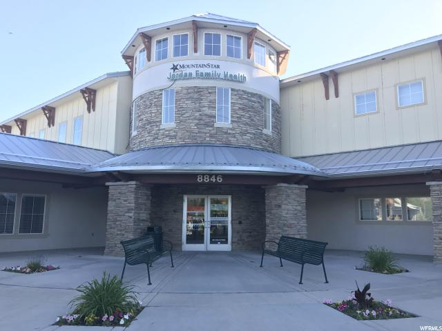 Comercial por un Alquiler en 27-03-178-106, 8846 S REDWOOD Road 8846 S REDWOOD Road Unit: N-103 West Jordan, Utah 84088 Estados Unidos